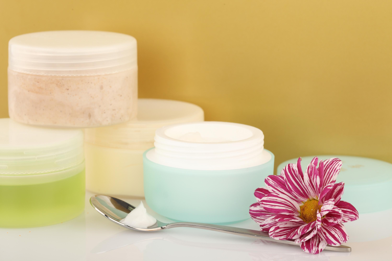 La glicerina y la vitamina e para la persona de las arrugas